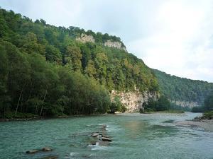 Развитие рекреационного потенциала малых рек Сочинского Причерноморья на основе энергосберегающих технологий (статья)