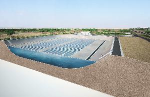 Инновационная пленка, которая уменьшает испарение в водохранилищах и производит электричество, разработана в Германии