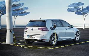 Правительство Германии предлагает бонус 5000 евро за покупку электромобилей