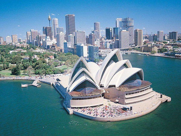Tesla установила в Австралии крупнейший в мире аккумулятор менее чем за 100 дней