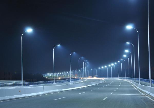 К 2030 году Свердловская область должна перейти на светодиодное освещение