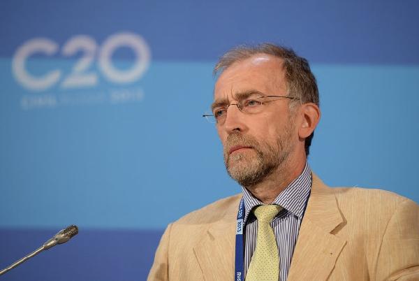 Игорь Башмаков: Мир уходит в зеленое будущее, а мы топчемся в настоящем и рискуем со временем превратиться в кладбище устаревших технологий