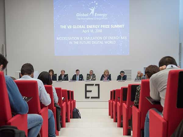 Будущее энергетики зависит от беспрецедентных политических решений