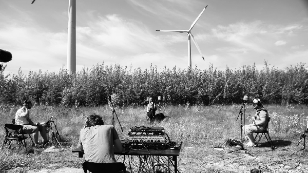 Музыканты записали видео с с использованием возобновляемых источников энергии // ВИДЕО