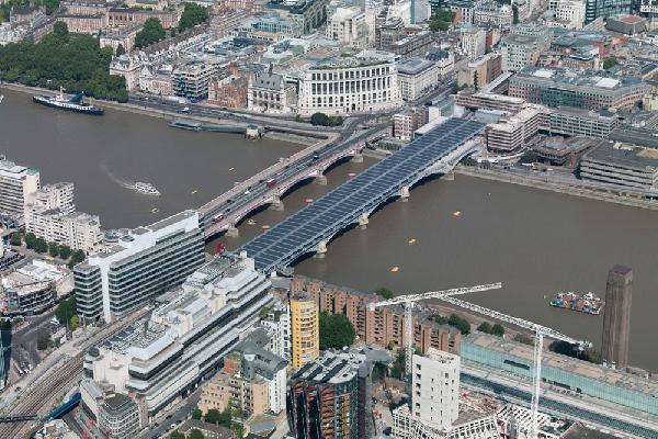 Центр Лондона уже в этом году перейдет на чистую энергию