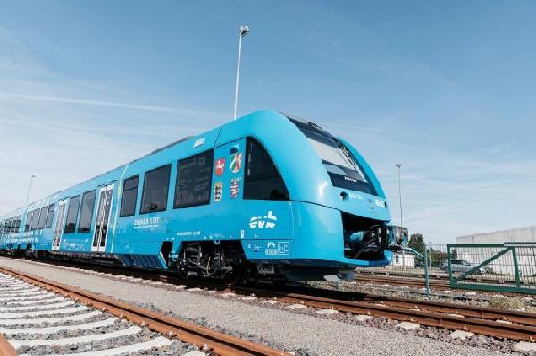 В Германии первый водородный поезд начал перевозить пассажиров