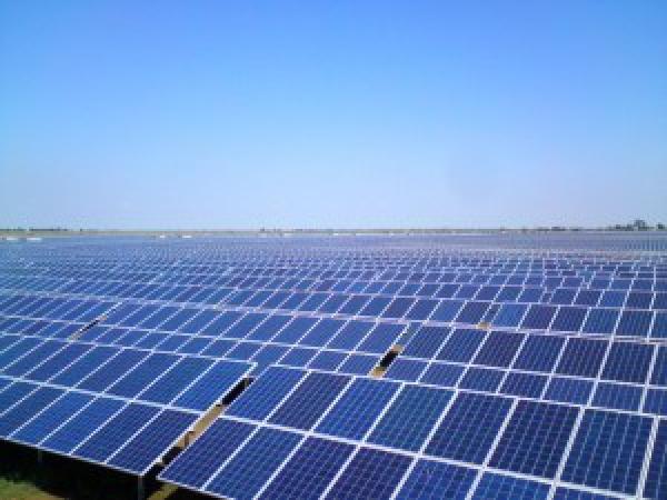 В Астраханской области введена в эксплуатацию крупнейшая в России солнечная электростанция