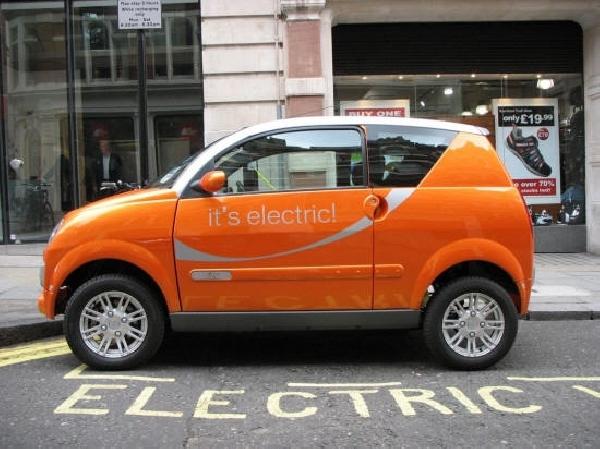Названо количество электромобилей на дорогах России